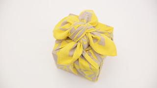 お弁当包みもラッピングにも使える包み方「花びら包み」をご紹介!
