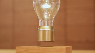 浮在半空中的燈泡是!?就讓蔦屋家電的一流接待員來告訴你高品味又令人得意的家電吧♡