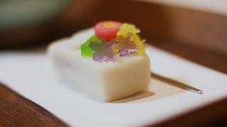 以和菓子巧妙重現日本的繪畫世界! 山種美術館「Café 椿」限定甜點