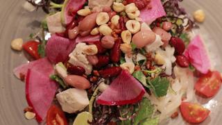 對新鮮度有絕對自信!享用契作農家蔬菜直送的沙拉專賣店「Mr.FARMER表參道總店」