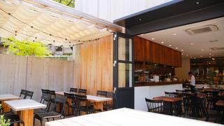 テラス席がおすすめ!代官山のスタイリッシュなカフェ「ガーデンハウス クラフツ」