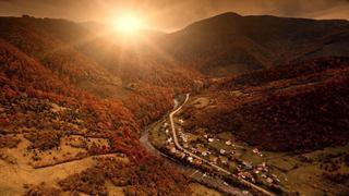 秋の紅葉が美しいノースカロライナ州にあるブルーリッジ山脈