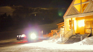 在TOMAMU的滿天星空下「夜間雪地巡航」!融化的拉可雷特起司特製晚餐