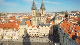 夕方のプラハ旧市街地(チェコ・プラハ)