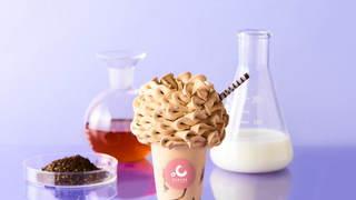 ソフトクリーム専門店「ディグラボ」のふわふわの花びらのようなソフトクリーム