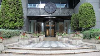 神宮外苑前徒歩1分、優雅で贅沢な大人のための「ホテルアラマンダ青山」