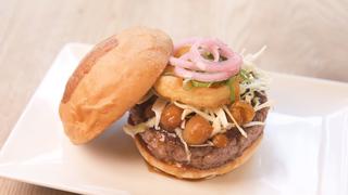 行列が物語る美味しさ♡ 「UMAMI BURGER®︎」 のおすすめハンバーガー3選