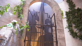 扉を開ければあなたもお姫様。「美女と野獣」コンセプトのカフェ&レストラン