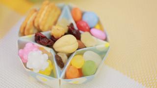 知ってた? 折り紙でオトナかわいい小物入れ「仕切り皿」の作り方