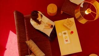 以波爾多紅打造出優雅的空間,在「星野渡假村 RISONARE 八岳」的客房被葡萄酒包圍