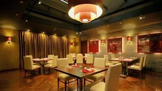 大阪全日空皇冠假日酒店的中式餐廳─閃耀著施華洛世奇水晶的「花梨」