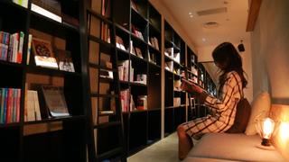 伴隨書香入眠好幸福!以可投宿書店為概念的超人氣青年旅館「BOOK AND BED TOKYO」