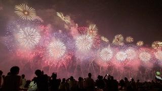 これぞ世界一の美しさ! 祈りの花火が夜空に咲き誇る「長岡花火」
