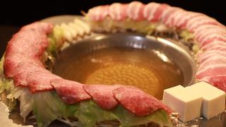 SNS受け抜群のゴージャス鍋が魅力!創作料理が絶品の話題店「イマサラ」