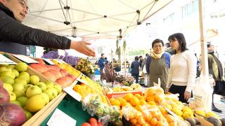 週末に開催される都会のマルシェ。「Farmer's Market@UNU」