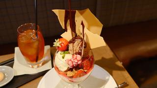 日比谷に限定パフェが誕生「Pâtisserie & Café DEL'IMMO」