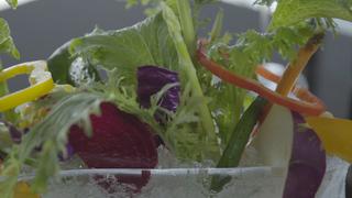大阪を一望する絶景と新鮮野菜をたっぷり堪能! 「AW kitchen 大阪あべのハルカス店」