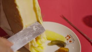 とろ~りとろけるチーズが絶品! 伝統を感じるスイス料理の名店「東京スイスイン」