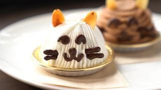 招き猫の絵付けも。千駄木「カフェ猫衛門」のキュートな猫スイーツ!