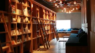 以可投宿書店為概念的「BOOK AND BED TOKYO」所推薦書本是名作「冰品大全」?!