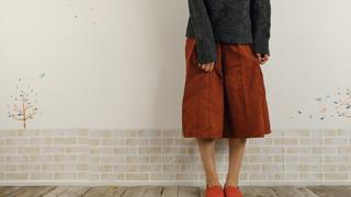 スカートの静電気を簡単に防ぐ!まとわりつかせない方法