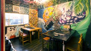 外国人観光客にも大人気!裏原宿の古民家を改築したアートな鉄板焼き屋「さくら亭」