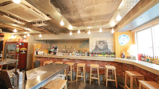 能在貓頭鷹的關注下、品味50多種啤酒的店家「BEER PUB   CAMDEN池袋東口店」