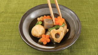 和食や中華におすすめ。料理のアクセントになる「にんじんの飾り切り」アイデアまとめ