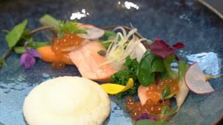 世界的アーティストが発信! ベーカリーレストラン「COURTESY」で食とアートのマリアージュ
