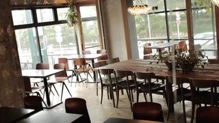眺望駒澤公園綠地的景觀咖啡廳「KOMAZAWA PARK CAFE」