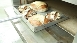 愛情たっぷり。オーガニック素材を使用した風味豊かなパンが人気の中津「HATSUTATSU」