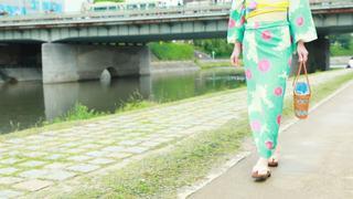 着物レンタルショップ「京都祇園屋」で夏の京都をはんなりお散歩