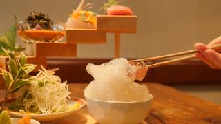 「泡」で食べるお刺身?福岡「博多炉端 魚男」のワクワクが止まらない新感覚料理