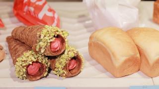 明日の朝食分も買っておきたい。「デュヌ・ラルテ 表参道店」のもちふわ無添加パン