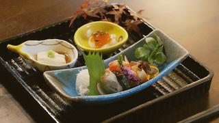 「星野集團 界 川治」的餐點是、不論宴會料理還是早餐都大量使用里山當季食材