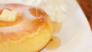神保町の喫茶店「石窯ベイクブレッド茶房 TAMTAM」の石窯で焼き上げた極ふわホットケーキ