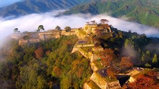まるでラピュタの世界。天空に浮かぶ城「竹田城跡」
