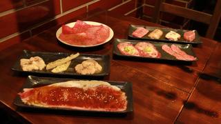 六本木「NIKUAZABU」最美味燒肉吃法大公開
