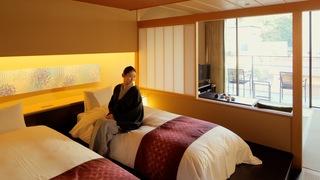 温泉露天風呂付きスウィートも。友禅や水引に彩られた「星野リゾート 界 加賀」の客室