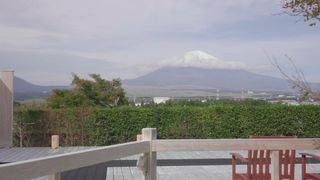 富士山を目前に望む温泉!静岡・御殿場「源泉 茶目湯殿」