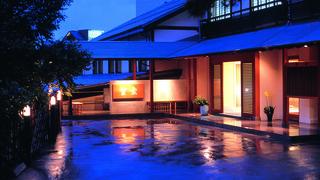 華に囲まれ温泉に恵まれたお宿「草津温泉 望雲」で日本を楽しむ