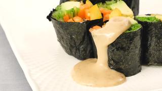 冷蔵庫の余り野菜が大変身!カラフル野菜たっぷり「ベジタブルのり巻き」の作り方