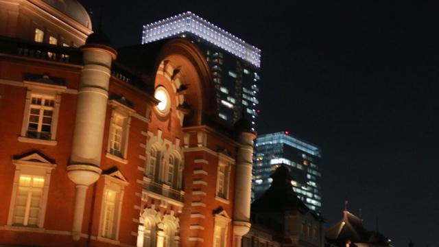 東京駅グランルーフ Light on Train