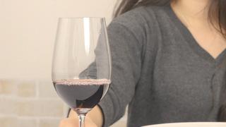 レストランでワインを味わう!女性のための上品なマナー講座