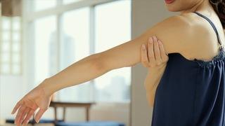 二の腕に効果的なマッサージ!リンパを流してぶくぶくを解消