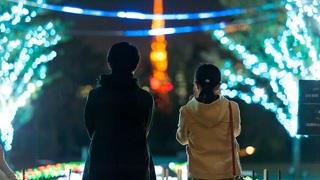 東京タワーを背景に彩る「品川シーズンテラス イルミネーション 2018」