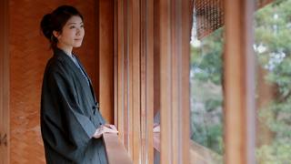 來結合日式傳統與現代摩登的溫泉旅館「星野集團 界 熱海」住上一晚吧!