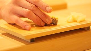 """在西麻布「鮓 村瀬」享受滋味綿密極品""""熟成寿司"""""""