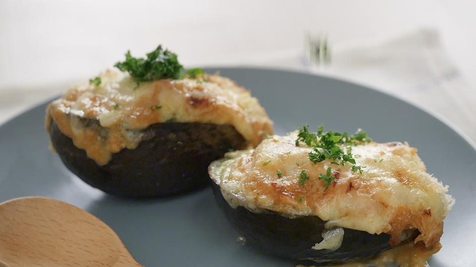 鮭とアボカドのの味噌マヨグラタン