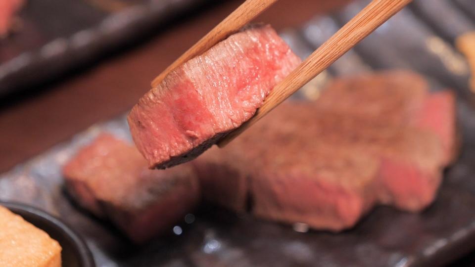 「鉄板焼き grow 後楽園店」のステーキ